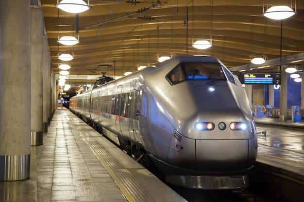 Treno pendolare oslo