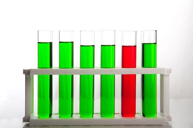Tubo da laboratorio per concetto di chimica