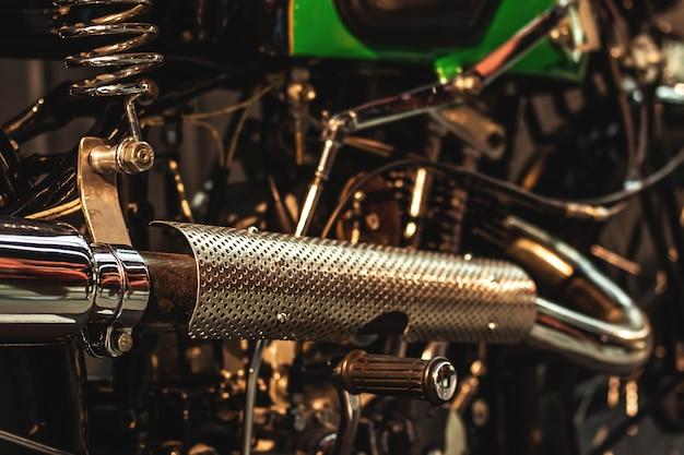 Tubo di scarico della moto d'epoca
