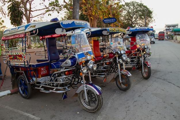 Tuk tuk in tailandia