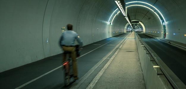 Tunnel croix-rousse nella città di lione