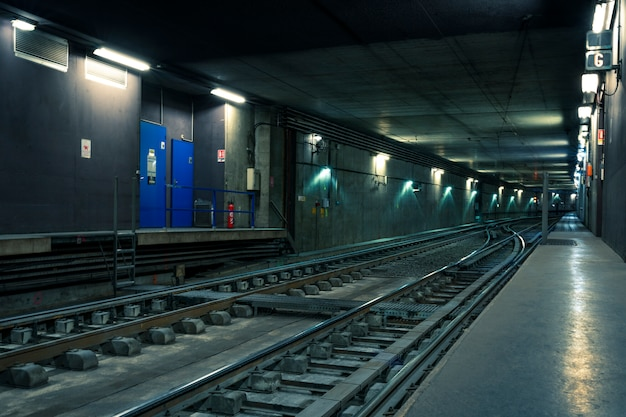 Tunnel ferroviario nella città di lione, francia