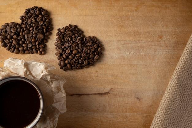 Un cuore di chicchi di caffè.