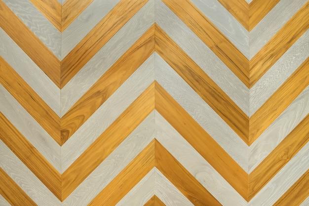 Un frammento di un pannello di legno di latifoglie.
