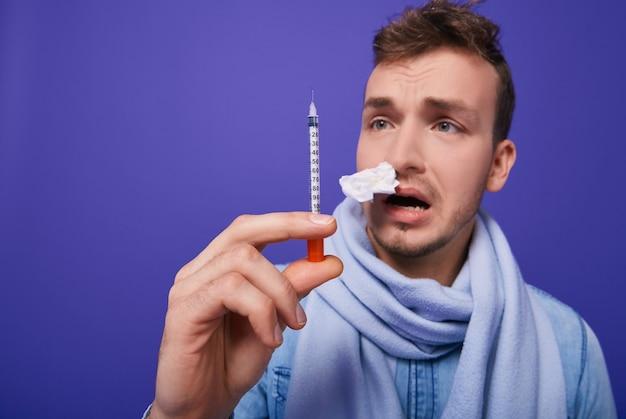 Un malato ha paura delle iniezioni