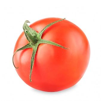 Un pomodoro maturo su uno sfondo bianco. tomat su un bianco