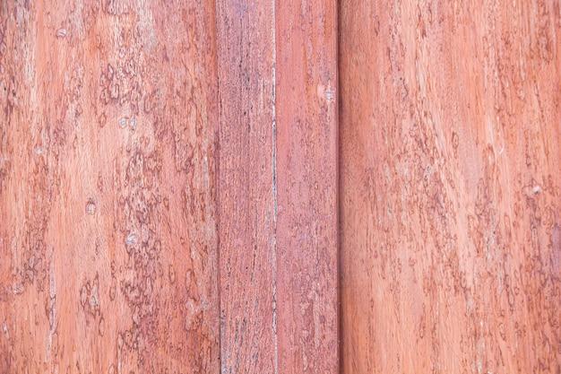 Un primo piano della superficie del vecchio taglio dell'albero, la trama di un vecchio albero, legno, tavolo, ceppo, sfondi