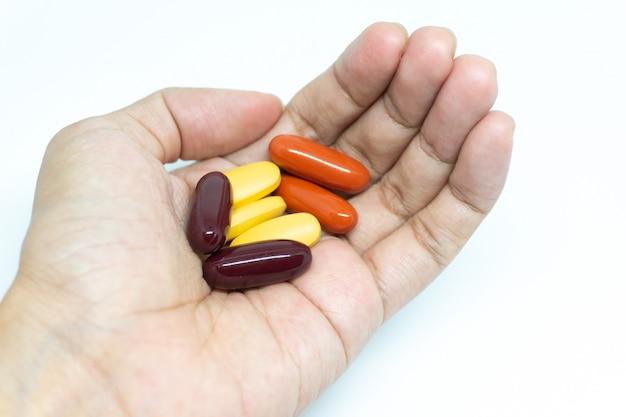 Un sacco di vitamina in mano