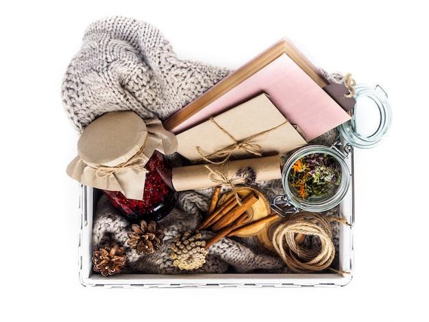 Un set di ingredienti utili per il trattamento a casa