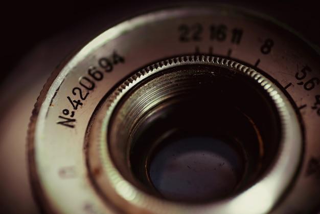 Un vecchio obiettivo fotocamera close-up
