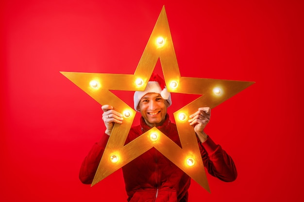 Una stella luminosa splendente dalla ghirlanda