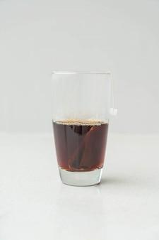 Una tazza di tè nero