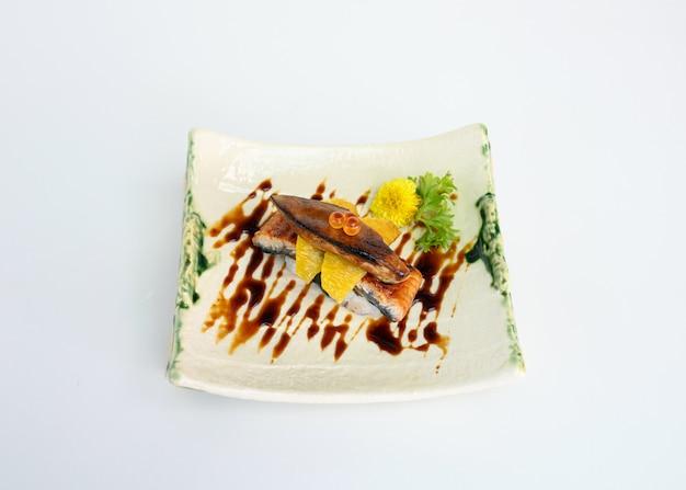 Unagi affumicato con salsa al vino rosso foie gras