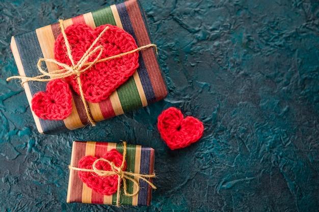 Uncinetto cuori di san valentino su regali