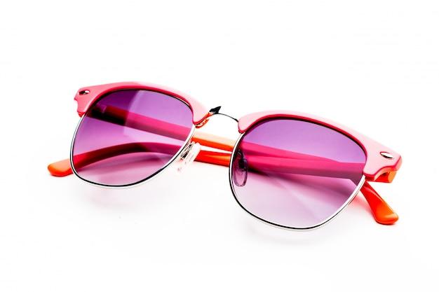 Unglasses rosa isolati su bianco