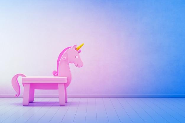 Unicorno rosa del giocattolo sul pavimento di legno della stanza dei bambini con il muro di cemento blu vuoto nel concetto di successo della giovane impresa.