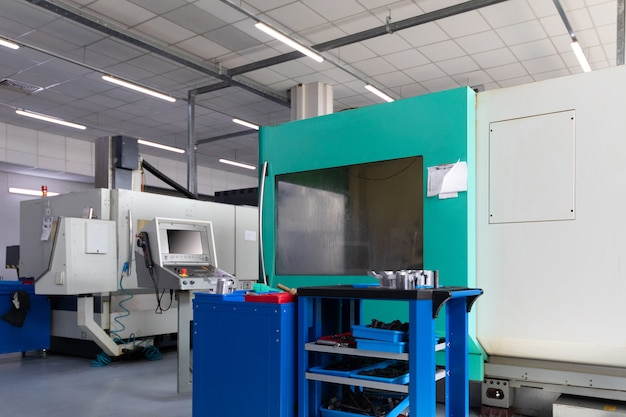 Unità di fabbrica con nuove moderne apparecchiature computerizzate