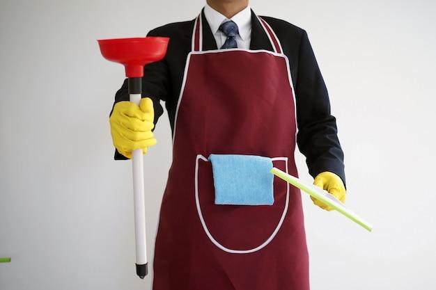 Uomini d'affari che devono lavorare da soli a casa