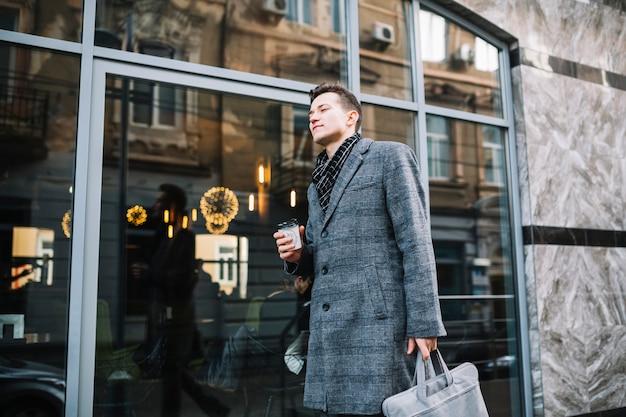 Uomo affari, camminare