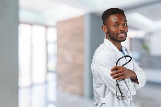 Uomo afroamericano medico
