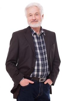 Uomo anziano bello con la barba grigia