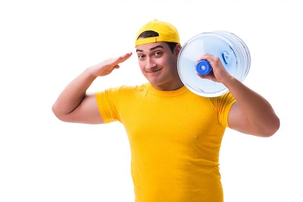 Uomo che consegna bottiglia di acqua isolata