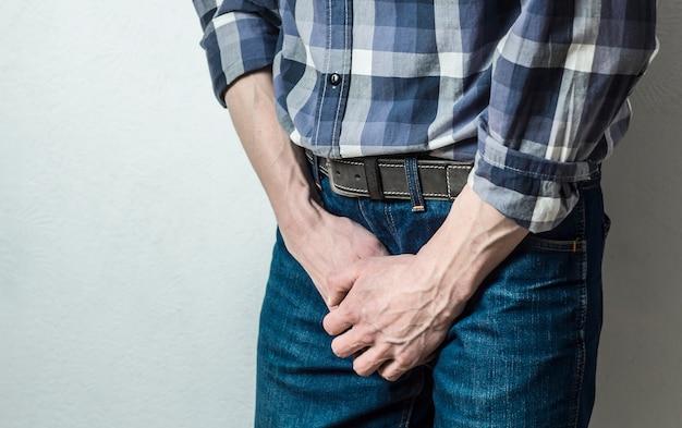 Uomo con carcinoma della prostata, infiammazione, eiaculazione precoce