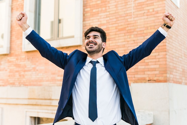 Uomo d'affari felice