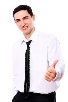 Uomo d'affari sorridente che mostra segno giusto