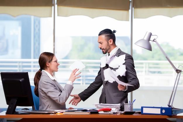 Uomo e donna nel concetto di affari