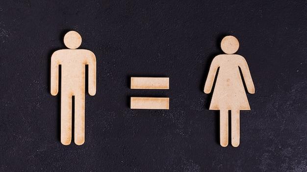 Uomo e donna uguali diritti su sfondo nero