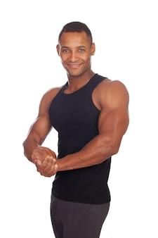 Uomo forte con t-shirt nera