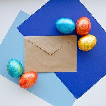 Uova colorate per buona pasqua.