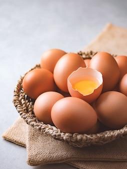 Uova di gallina biologiche