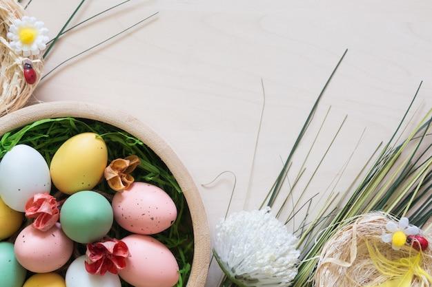 Uova di pasqua e altre decorazioni