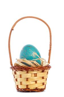 Uova di pasqua isolate su bianco