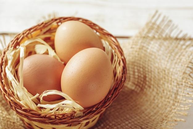 Uova su legno