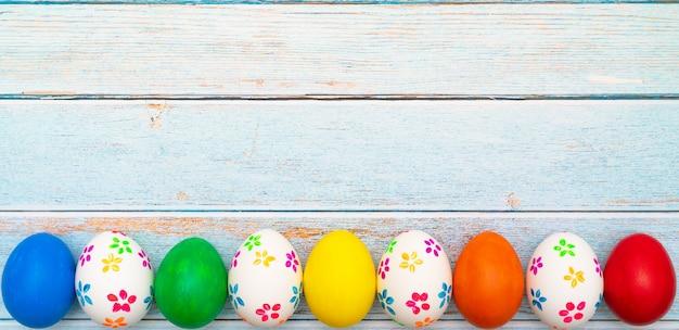 Uovo di pasqua, felice pasqua decorazioni di festa di caccia di domenica