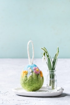 Uovo di pasqua in feltro