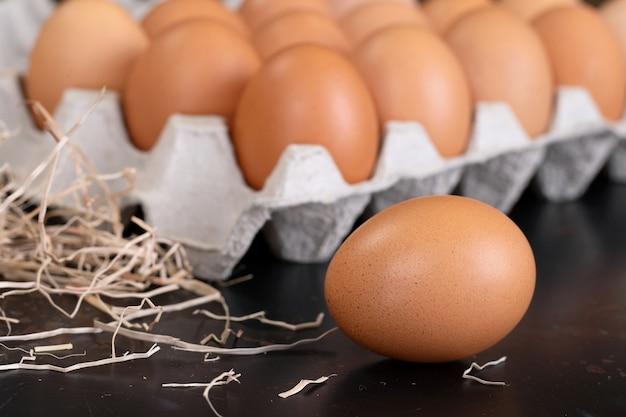 Uovo, uovo di gallina alimento biologico