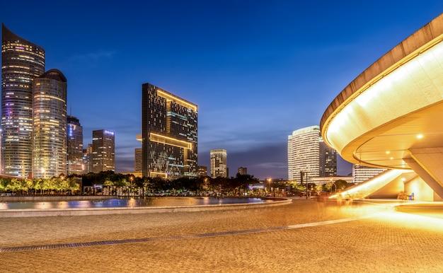 Urban nightscape architettura moderna