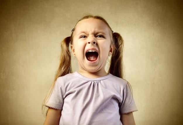 Urlando urlando bambina