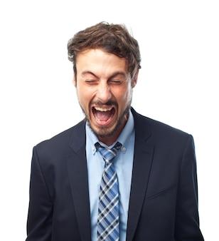 Urlare uomo arrabbiato espressione negativa