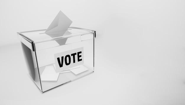 Urne per votare alle elezioni