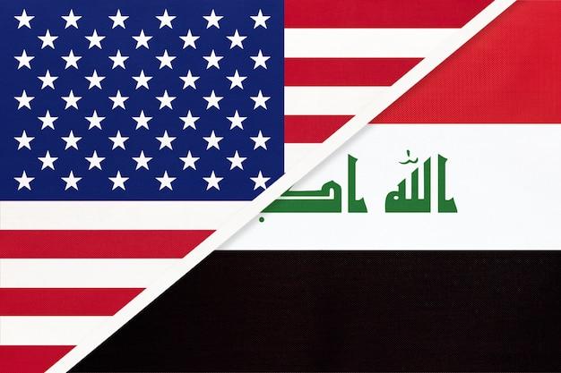 Usa vs repubblica dell'iraq bandiera nazionale dal tessile. rapporto tra due paesi americani e asiatici.