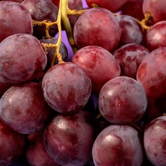 Uva deliziosa del primo piano pronta per essere servito