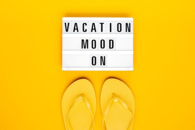 Vacanze estive, viaggi, concetto di turismo piatta laici.