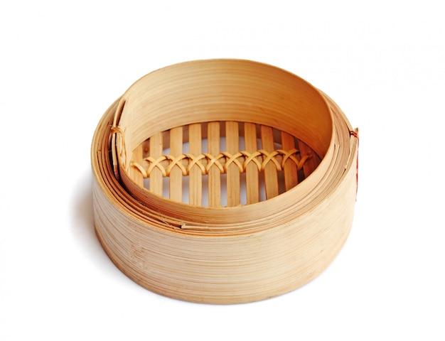 Vapore di bambù dim sum steamer su bianco