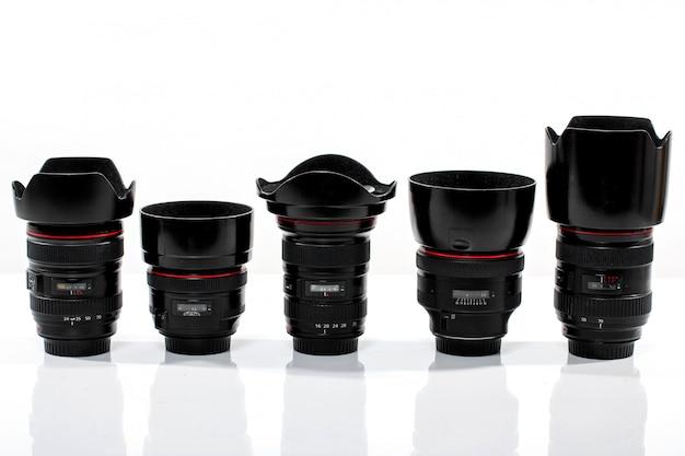 Vari obiettivi fotocamera intercambiabili
