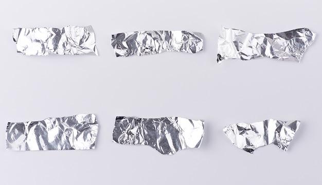 Vari pezzi di lamina d'argento